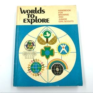 """Vintage 1977 """"Worlds to Explore"""" Girl Scout Book"""